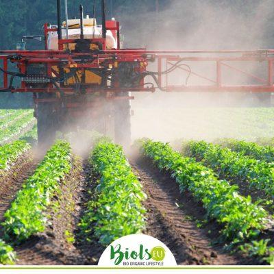 """Alt=""""Einsatz synthetischer chemischer Pestizide in der Landwirtschaft"""""""